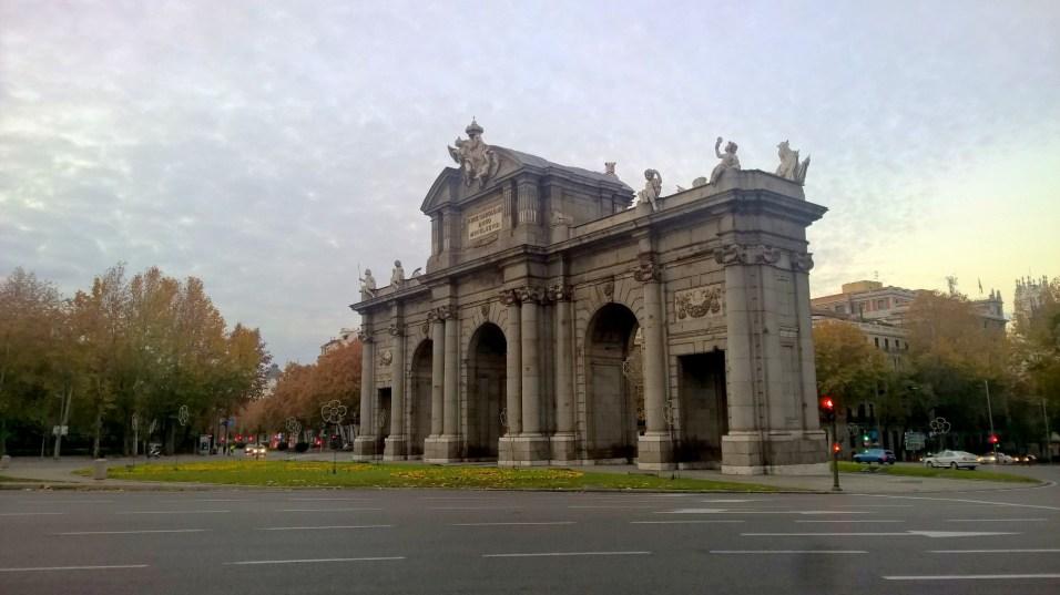 Running in Madrid Puerta de Alcalá
