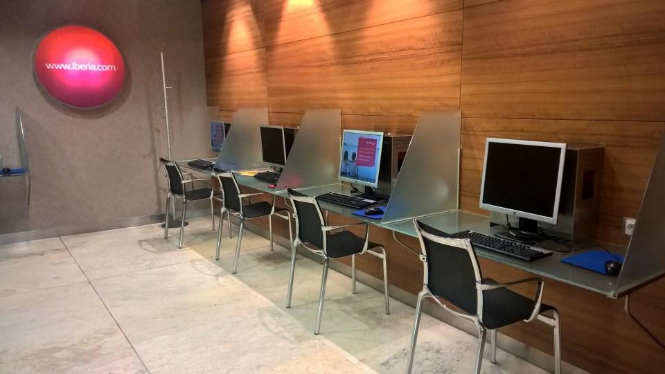 Iberia Dali VIP Lounge Madrid Computers
