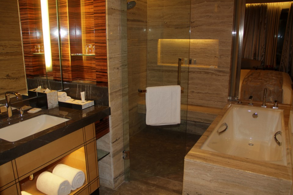 JW Marriott Delhi Aerocity Bathroom