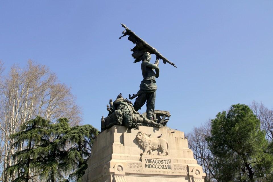 Statue Bologna
