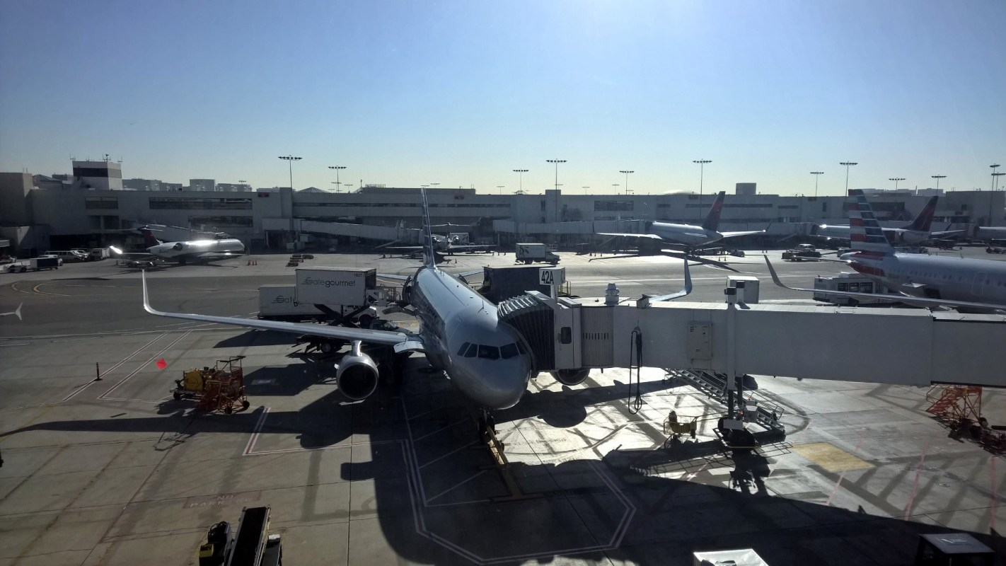 AA Flagship Lounge LAX View