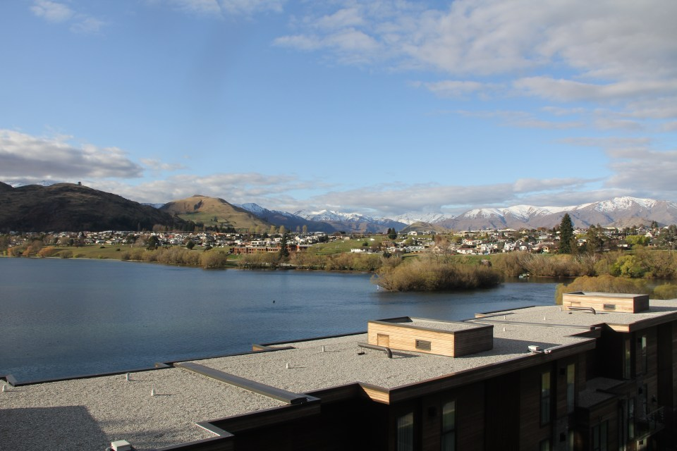Hilton Queenstown Deluxe Lakeview Room