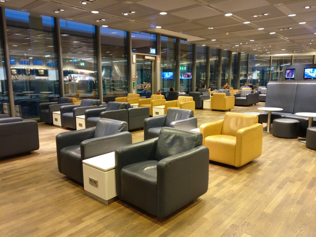 Lufthansa Business Lounge Frankfurt B24