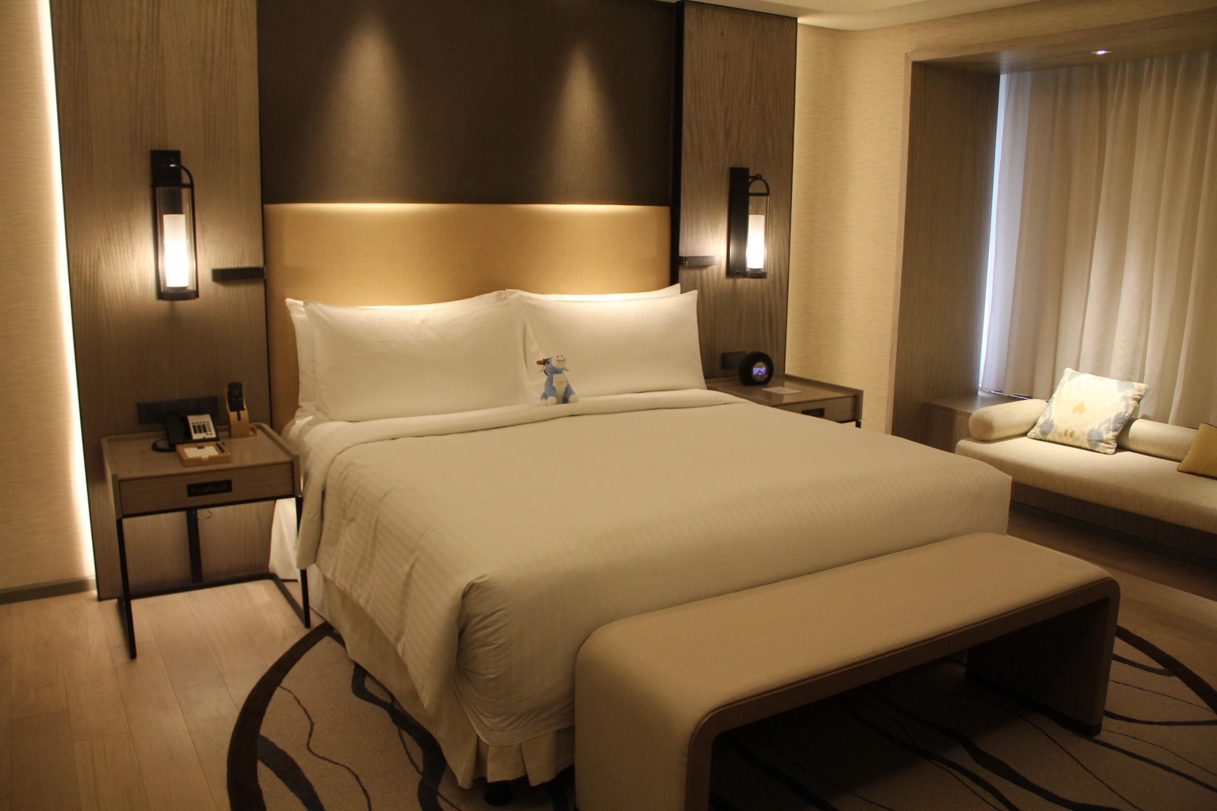 Conrad Manila King Premier Suite