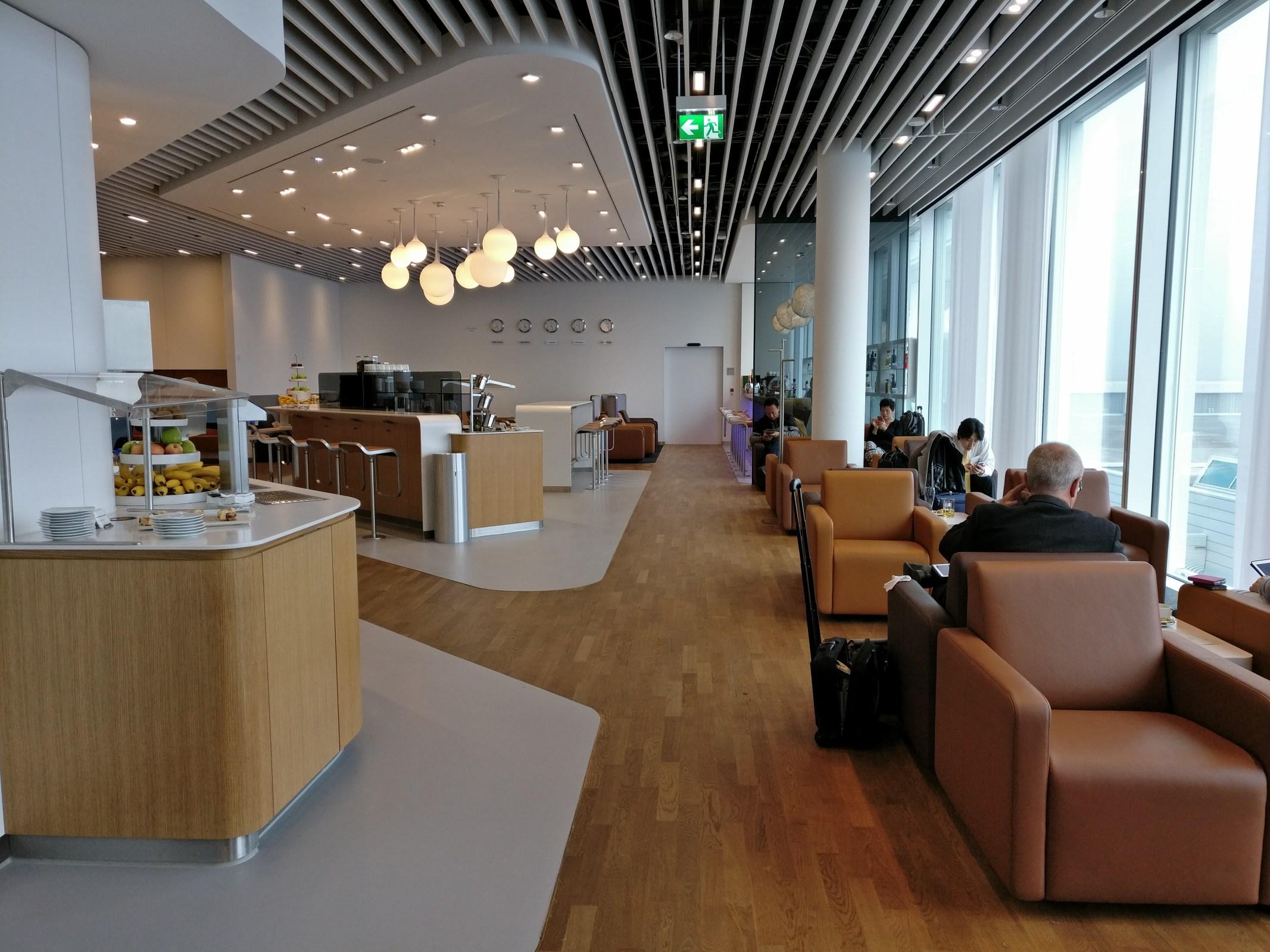 Lufthansa Senator Lounge Non-Schengen Satellite Munich