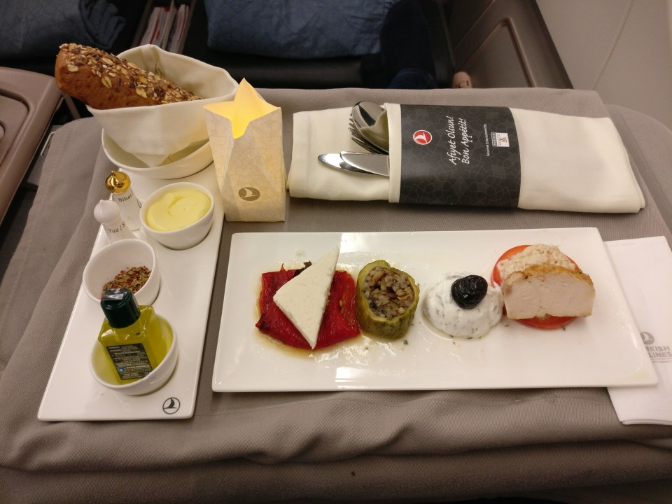 turkish-airlines-business-class-airbus-a330-dinner