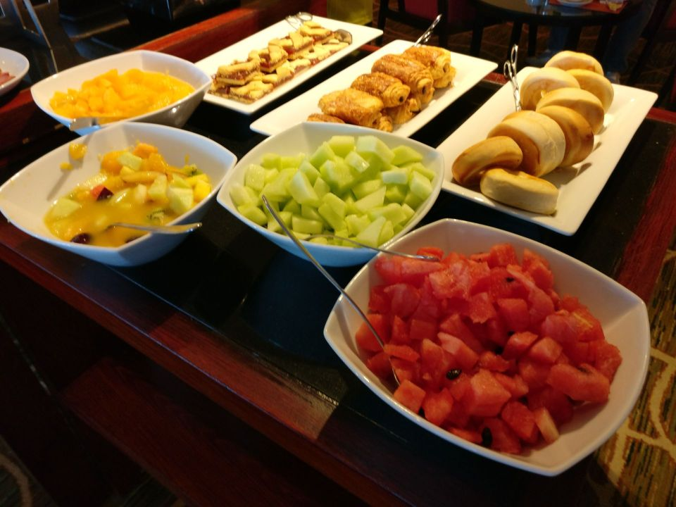 Hilton Garden Inn Montevideo Breakfast