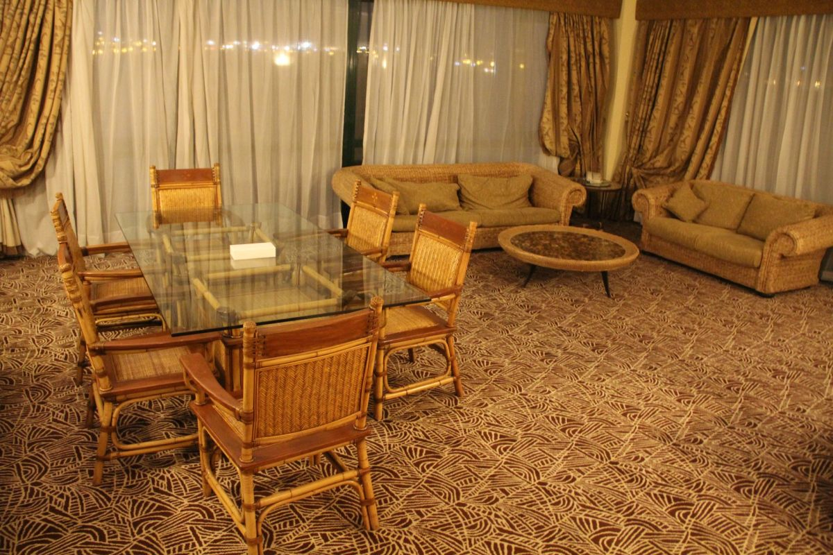 Hilton Pyramids Golf Resort Presidential Suite Living Room