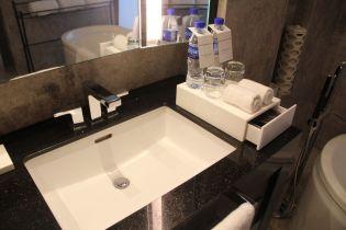 Conrad Manila King Premier Suite Bathroom