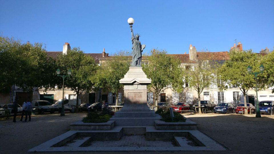 La Place de la Liberte Poitiers