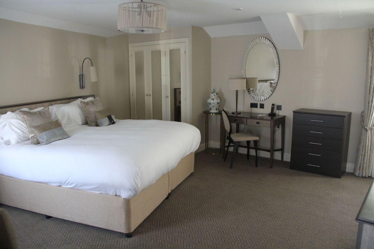 Castle Hotel Windsor Superior Room