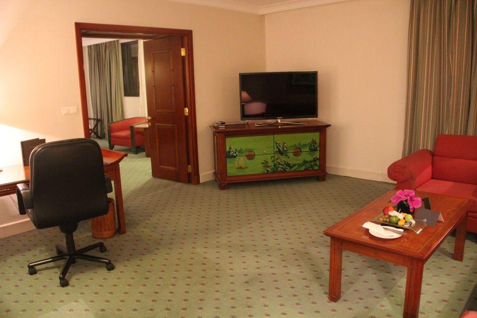 Hilton Hanoi Opera King Suite
