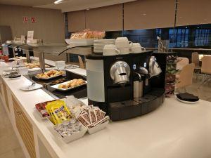 Puerta del Sol Lounge Madrid Buffet