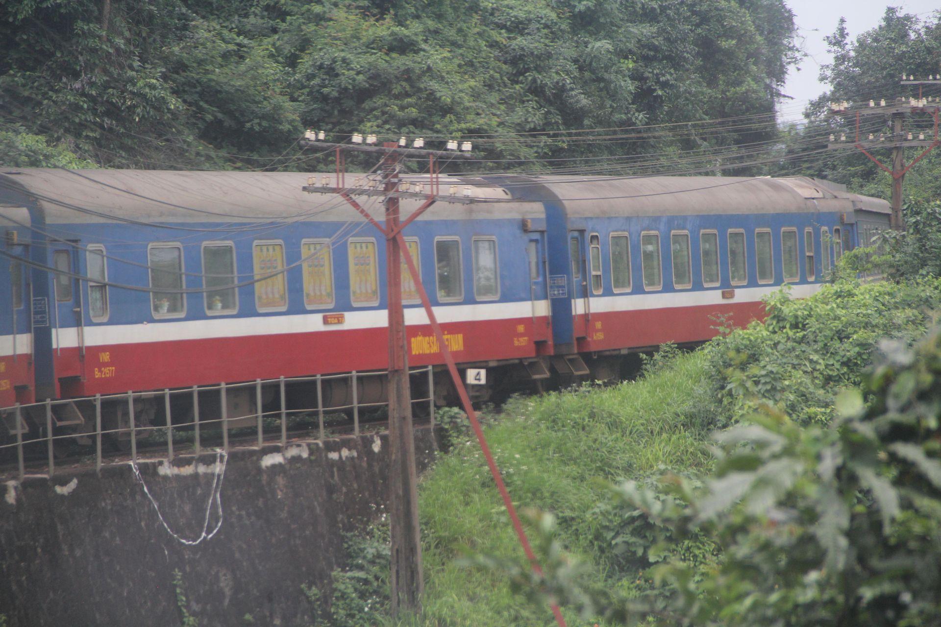 Train Vietnam Coaches