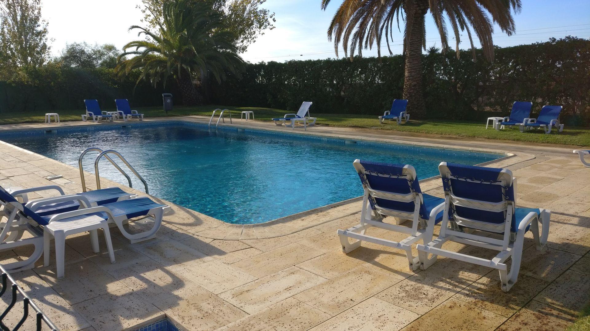 ibis Faro Algarve Pool