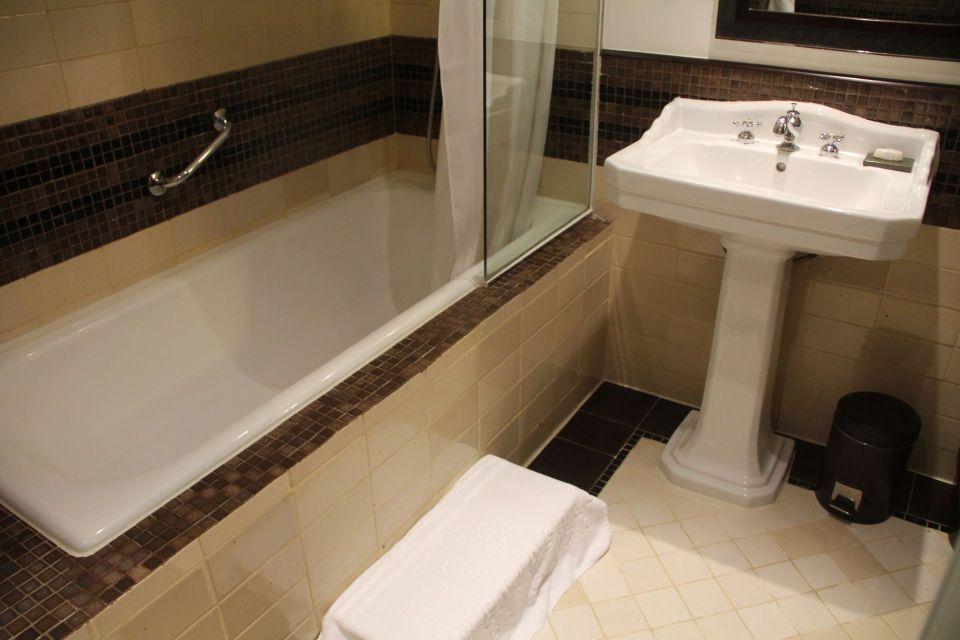 La Residence Hue Superior River View Room Bathroom