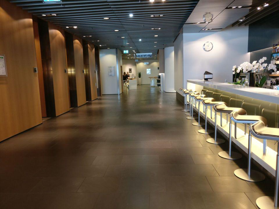 Lufthansa First Class Lounge Frankfurt A Entrance