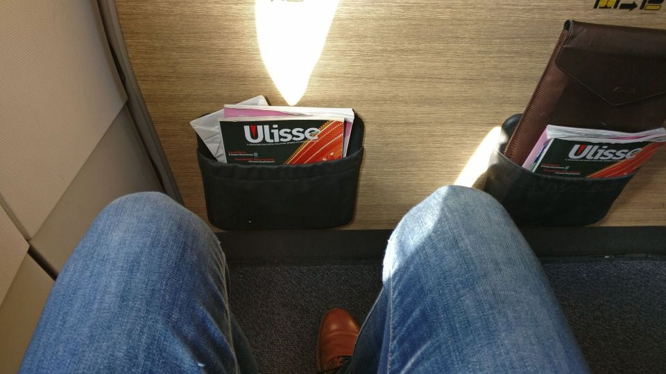 Alitalia Business Class Airbus A320 Seat Pitch