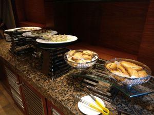 Hilton Alexandria King's Ranch Executive Lounge Food