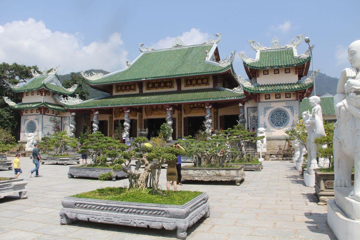 Da Nang Linh Ung Pagoda
