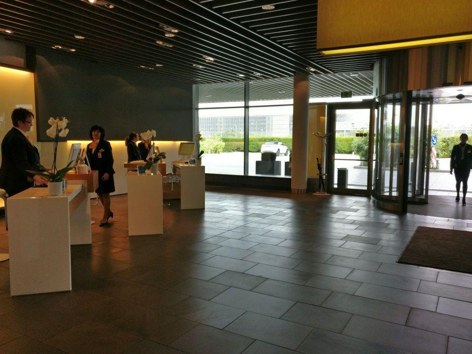 Lufthansa First Class Terminal Frankfurt Reception