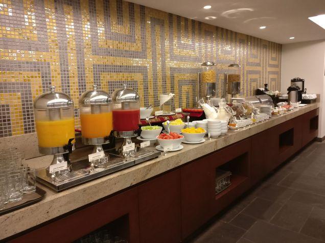 Hilton Garden Inn Cusco Breakfast