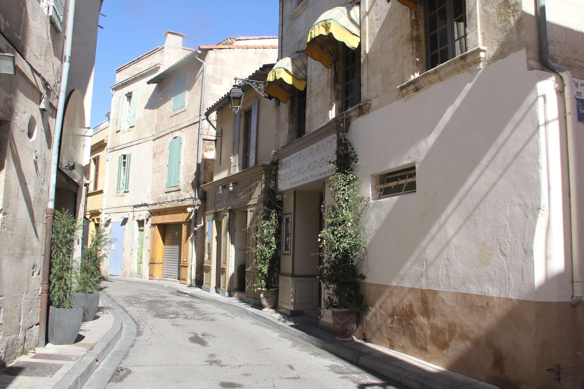 Arles Street (2)