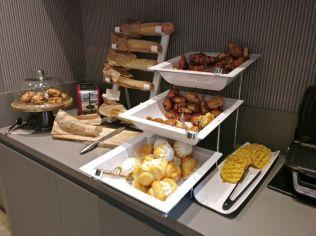 Novotel Nice Centre Vieux Breakfast