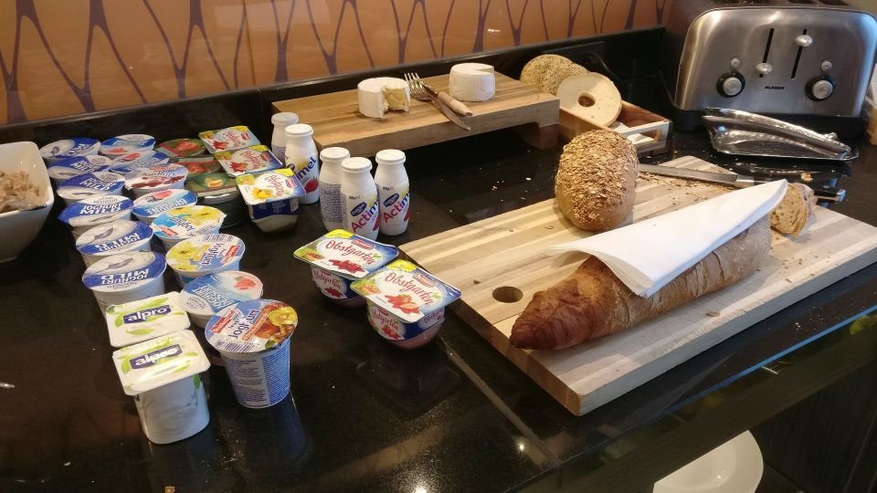 Marriott Cologne Executive Lounge Breakfast