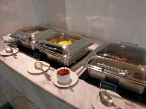 Philippine Airlines Mabuhay Lounge Manila Buffet