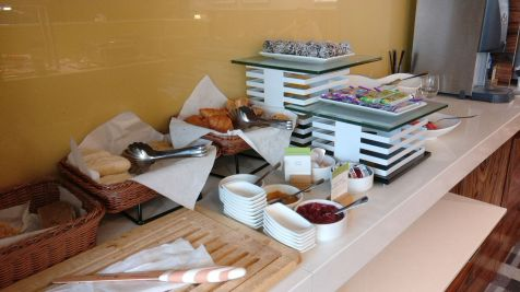 DoubleTree Cracow Executive Lounge Breakfast