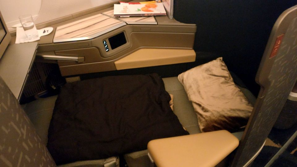 China Airlines Business Class Airbus A350 Bed