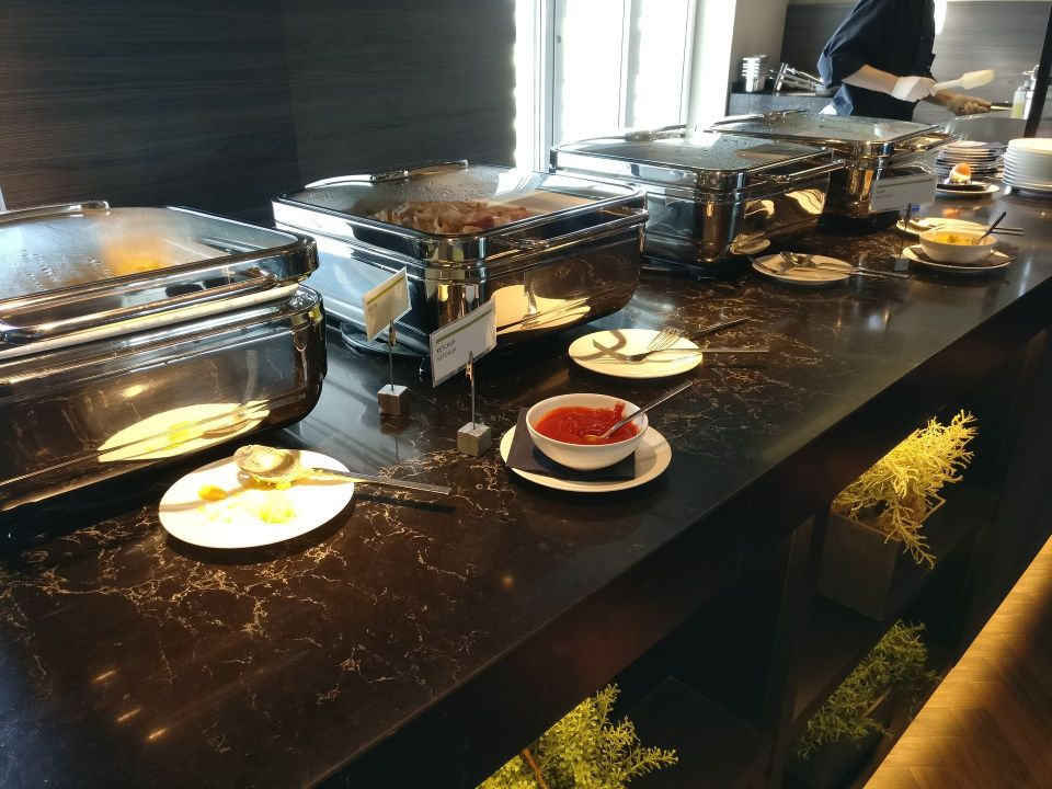 Le Meridien Hamburg Breakfast