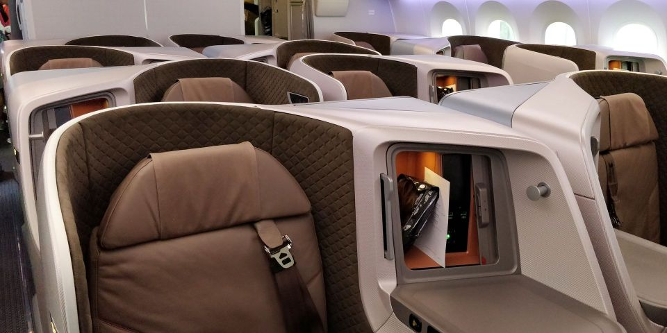 Singapore Airlines Business Class Boeing 787-10 Cabin