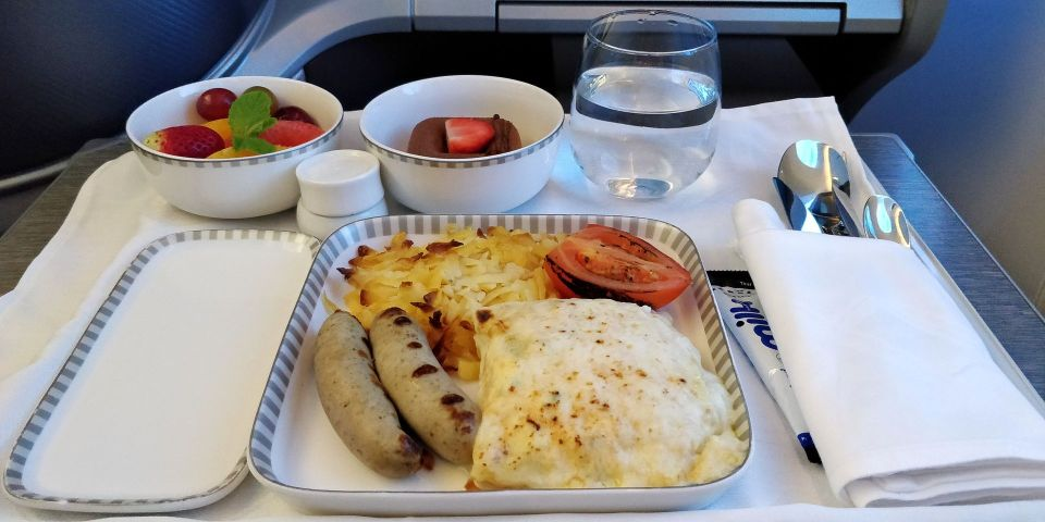 Singapore Airlines Business Class Boeing 787-10 Lunch