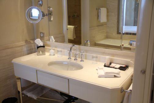 Palazzo Parigi Milan Executive Room Bathroom