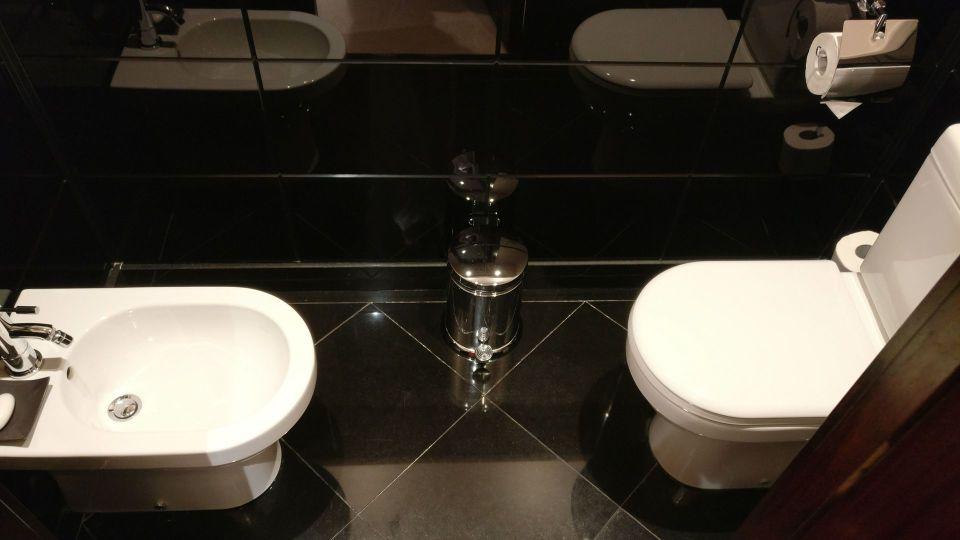 Hotel Barriere Le Fouquet Paris Junior Suite Toilet