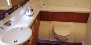 Thai Airways First Class Airbus A380 Toilette