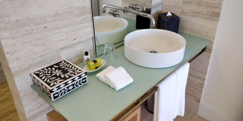 InterContinental Hayman Island Resort Suite Bathroom