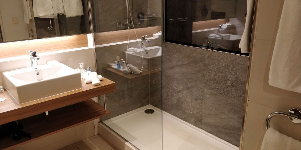 Radisson Blu Frankfurt Bathroom