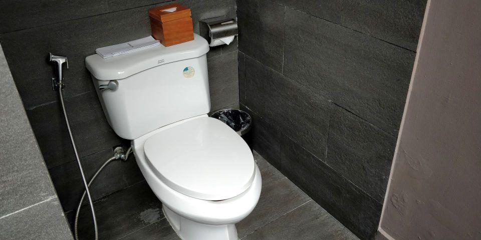 Vedana Lagoon Resort Villa Bathroom
