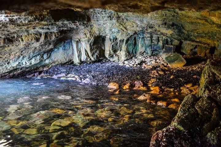Λήμνος σπηλιά του φιλοκτήτη