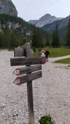 50' di cammino per il rifugio Scotoni