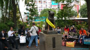 waiting-at-hachiko