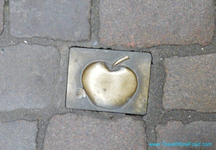 A cute little Apfelwein symbol
