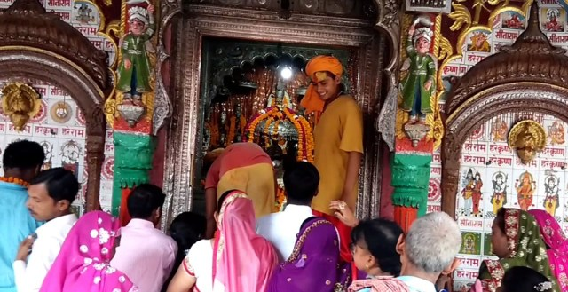 Hanuman Garhi Temple, Ayodhya, India