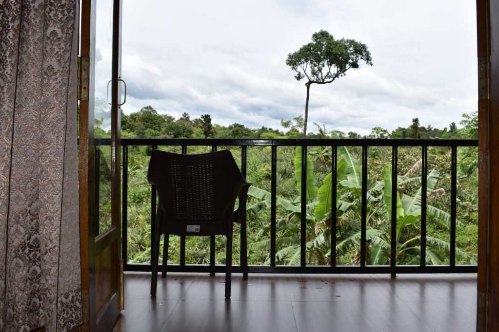 Mawlynnong Boutique Cottage,Riwai Living root bridge