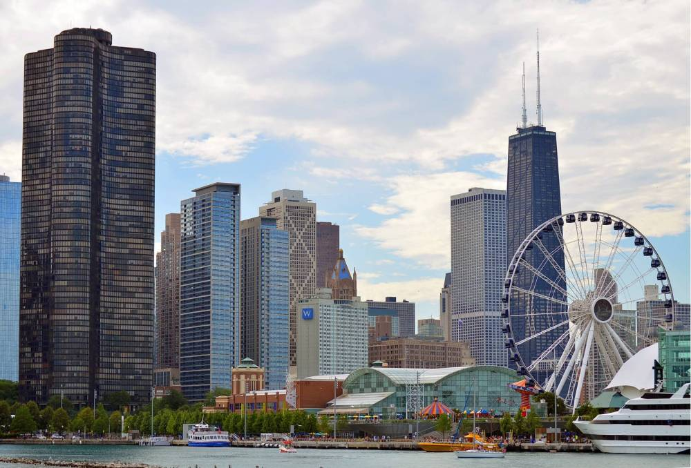 USA Bucket List for families featured by top US family travel blog, Travel With a Plan: Chicago skyline.
