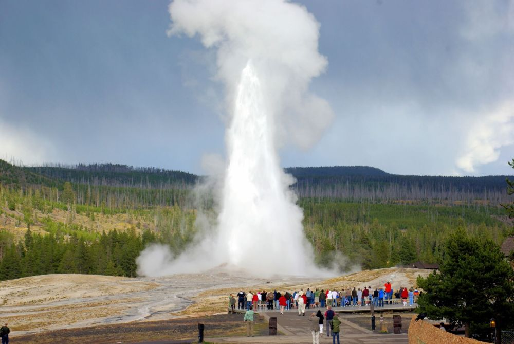 USA Bucket List for families featured by top US family travel blog, Travel With a Plan: Yellowstone