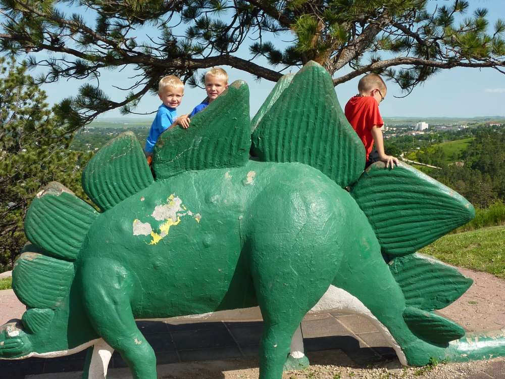 Best things to do in the Black Hills with Kids, featured by top US family travel blog, Travel with a Plan